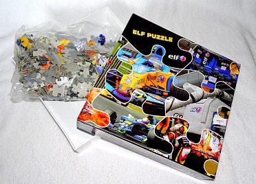 Maxi puzzle se závodní formulí.