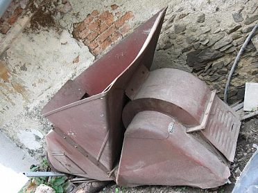 fukar na seno (slámu)