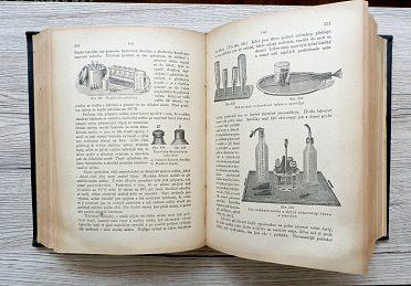 Starožitná kniha Domácí lékařka, přes 100 roků stará