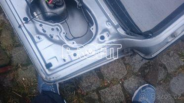Kufrové dveře na audi A6   2002