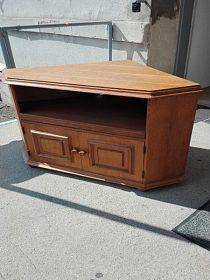 Pěkná rohová rustikální skříňka, cena 2.700,-kč