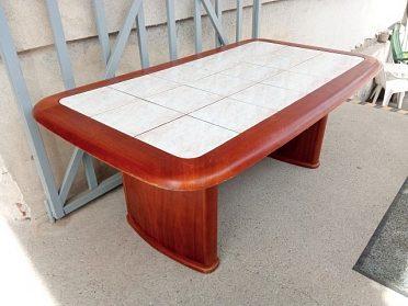 Konferenční stůl, kachle, zvedací, cena 1.200,-kč