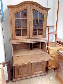 Komoda s pc stolem a vitrínou, cena 5.800,-kč