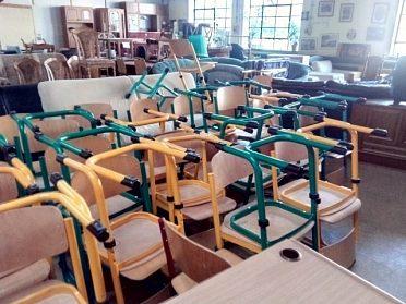 Židle více kusů, cena za kus 300,-kč