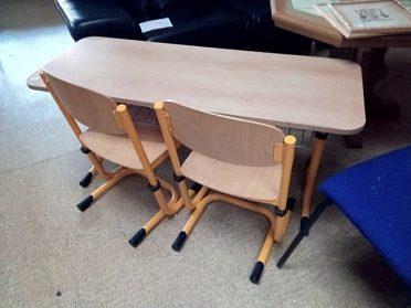 Lavice + 2x židle, moc pěkné, nastavitelná výška lavice i židlí, cena za komplet 1690,-kč