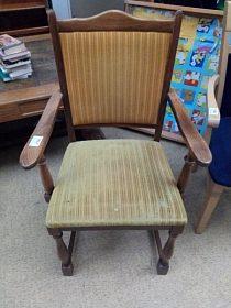 Židle - křesílko, pohodlné, cena 1.200,-kč