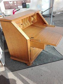 Komoda - pracovní stůl, uzamykatelná, cena 3.990,-kč