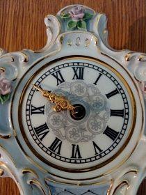 Značkové stolní hodiny, cena 1.500,-kč
