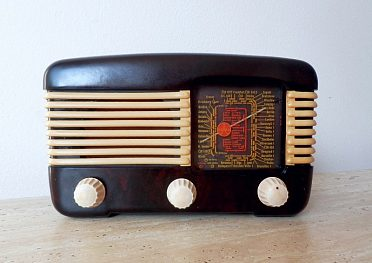 Starožitné rádio Tesla Talisman 306U po celkové renovaci