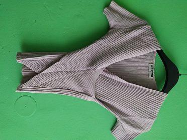 Fialové tričko vel.160