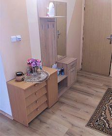 ZLEVNĚNO: Prodej bytu 4+1 85 m2 v Rakovníku - ulice Pod Nemocnicí