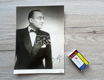 Oldřich Nový autogram, velký rozměr 23 x 16,5 cm
