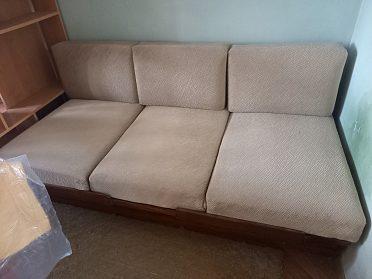 Gauč s úložným prostorem