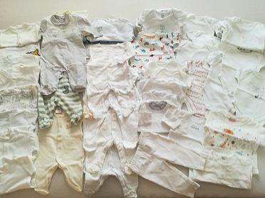 oblečení na miminko z kojenecké výbavičky