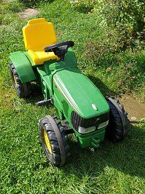 Šlapací traktor JOHNDEERE