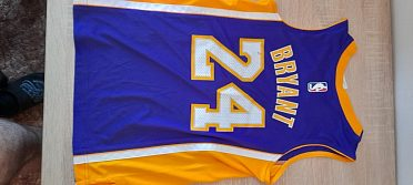 Prodám chlapecké  triko- dres na basket