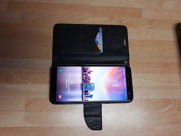 Prodám Samsung Galaxy A 6 s clipem