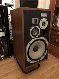 boxy Pioneer HPM 100