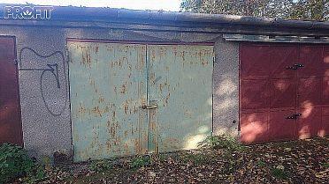 Koupim garaz v obci Tršice