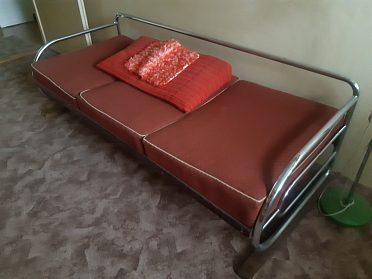 Gauč z chrom trubek