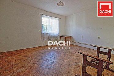 Prodej cihlového domu 4+kk Pňovice, s plochou parcely 1 828 m² .