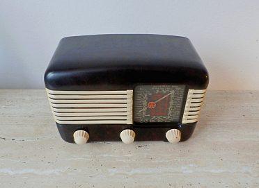 Starožitné a plně funkční elektronkové rádio Tesla Talisman 306U