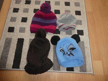 Dětské čepice a kloboučky