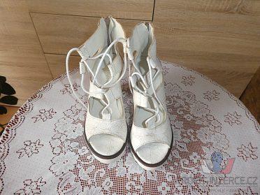 Sandály FEET FIRST na platformě