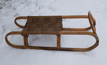staré dřevěné sáně