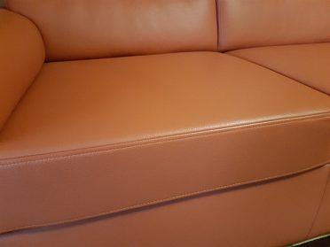 Prodám sedací soupravu z pravé kůže.