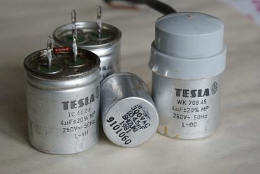 Kondenzátory 4 mikrofarady 250V střídavvých