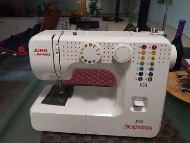 Šicí stroj Janome Juno15