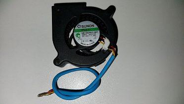 Tichý Ventilátor (blower) pro 3D tiskárny a projektory (12 VDC)
