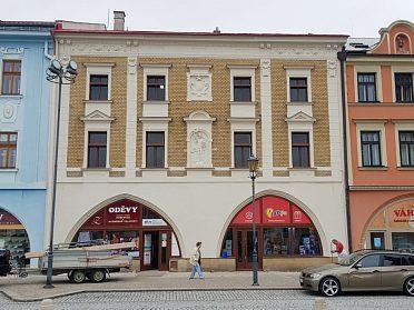 Obchodních prostory 153m2 s výlohou Masarykovo nám.Hranice