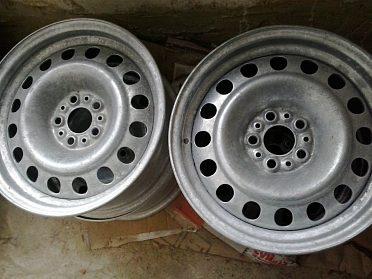 """disky 15"""" skoro nové..na ALFA, FIAT 5x98 srouby"""