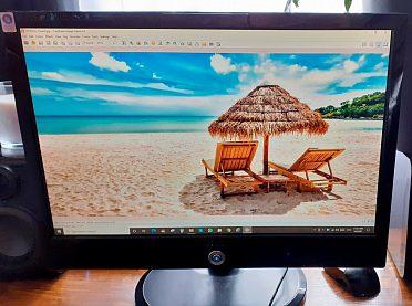 Počítačový monitor AOC 2217PWC, plně funkční