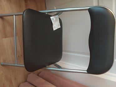 Prodám 4 nové skládací židle.