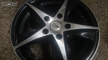 Alu kola R15